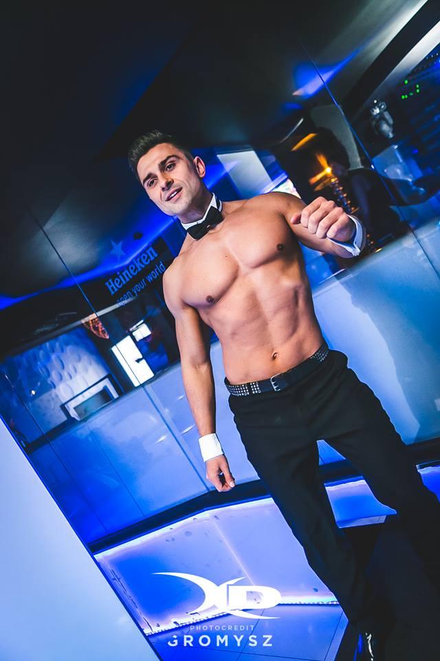 Tancerz topless do klubu