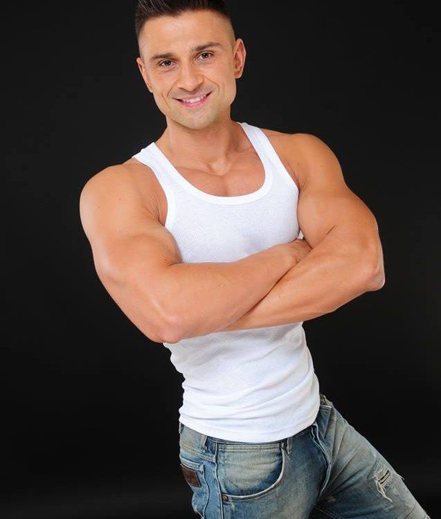 tancerz erotyczny - striptizer - mateusz-min